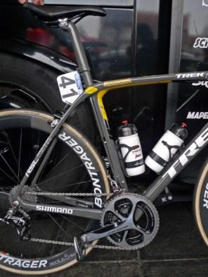Flanders-Tech_RVV_Trek-Domane-SLR_version-2-preproduction-prototype_IsoSpeed-decoupler-endurance-road-race-bike_Fabian-Cancellara_special-edition_Trek-Segafredo_rear-end