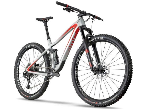BMC Speedfox mountain bike syncs dropper & shock for the