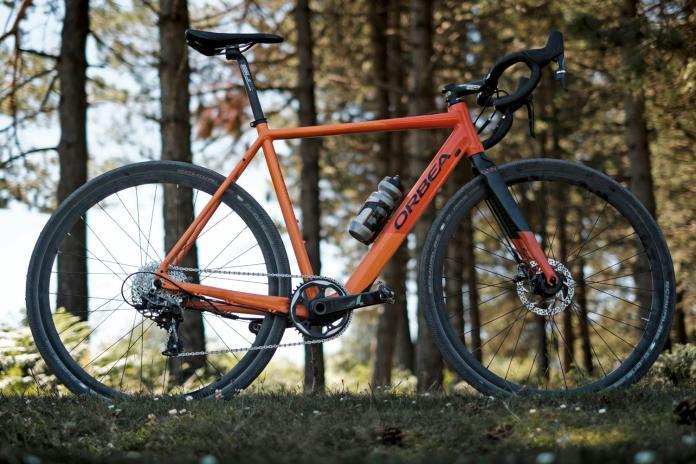 Orbea Gain aluminum road e-bike e-road bike electric-assist road bike stealth battery motor integration d15 cross forest complete