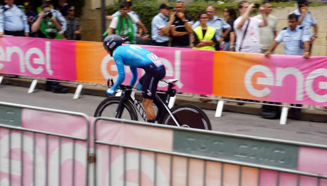 Giro101 Tech  Pro bikes from Movistar-Canyon   Groupama FDJ-Lapierre ... bd6a02866