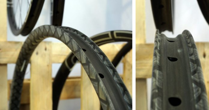 CEC carbon fiber bicycle components with TeXtreme Innegra fibers to reduce vibrations in your handlebar seatpost rims and fork