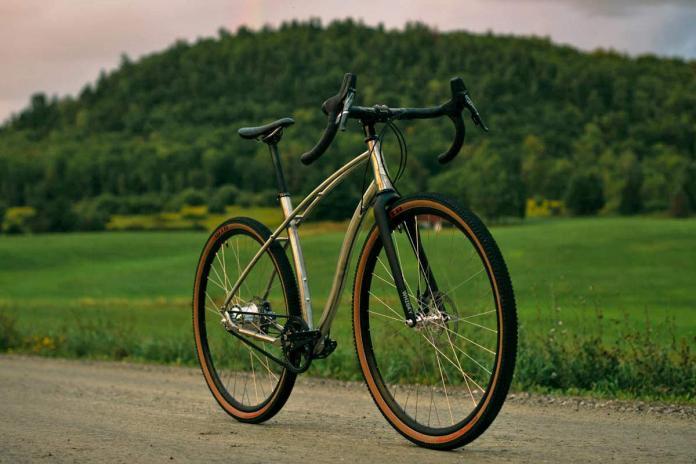 Budnitz-0-G_Zero-G_limited-edition-titanium-ti-gravel-road-bike_studio-complete