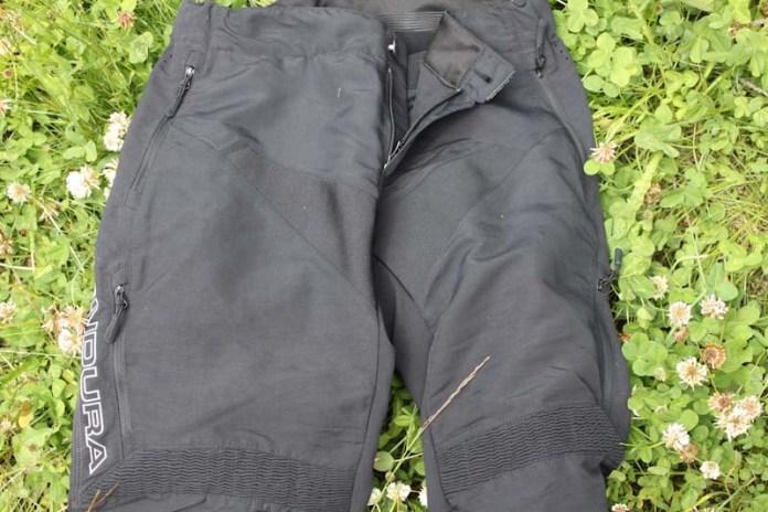 Endura Singletrack trail pants, pockets and vents