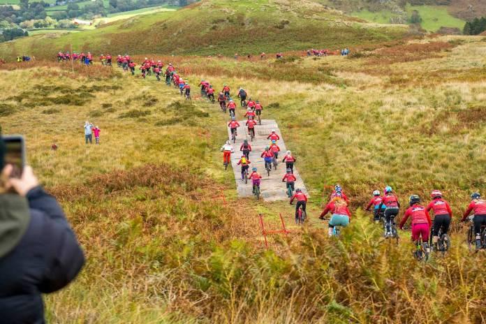 Red Bull Fox Hunt 2018 Rachel Atherton Machynlleth Wales Dyfi Valley Downhill Mountain Bike Race Mass Start