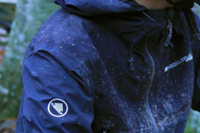 endura-waterproof-mt500-suit-onesie-mtb-enduro-downhill