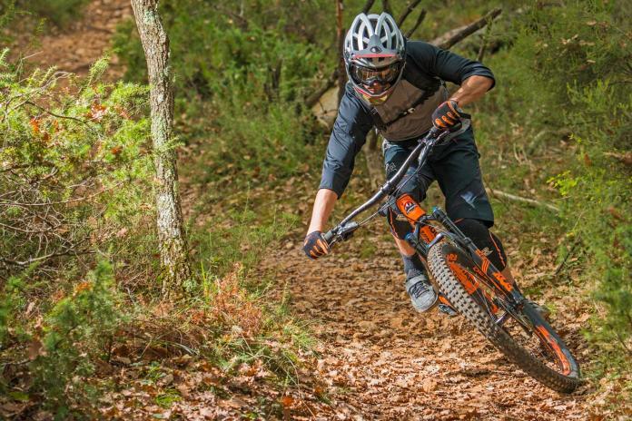 Urge Gingo Matic convertible full face all-mountain enduro helmet