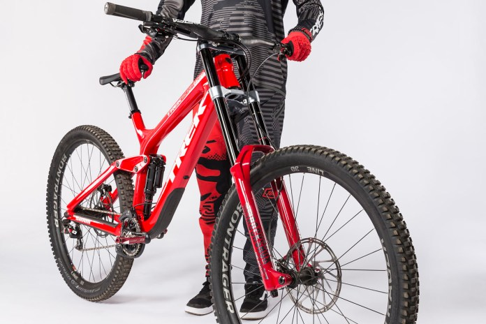 "Trek Factory Racing DH team will ride 29"" sessions w/ SRAM & RockShox builds"