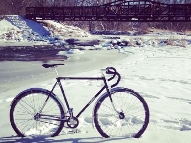 bike-with-fenders-in-winter