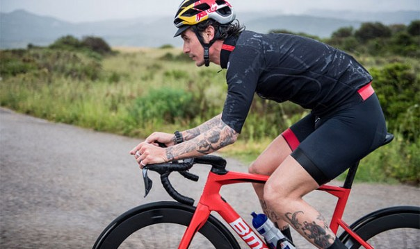 ASSOS launches Liberty RS thermo rain jersey
