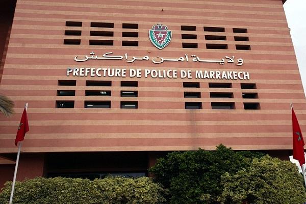 مراكش.. توقيف شخص للاشتباه في تورطه في قضية سرقة ونصب واحتيال وانتحال صفة ينظمها القانون