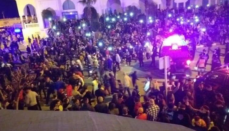احتجاجات ليلية تهز مدينة فاس لليوم الثالث على التوالي