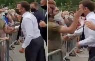 القضاء الفرنسي يصدر حكما استعجاليا يقضي بسجن المتهم الذي قام بصفع الرئيس الفرنسي إيمانويل ماكرون