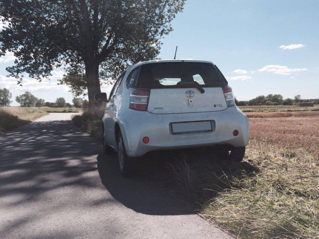 Toyota iQ Back
