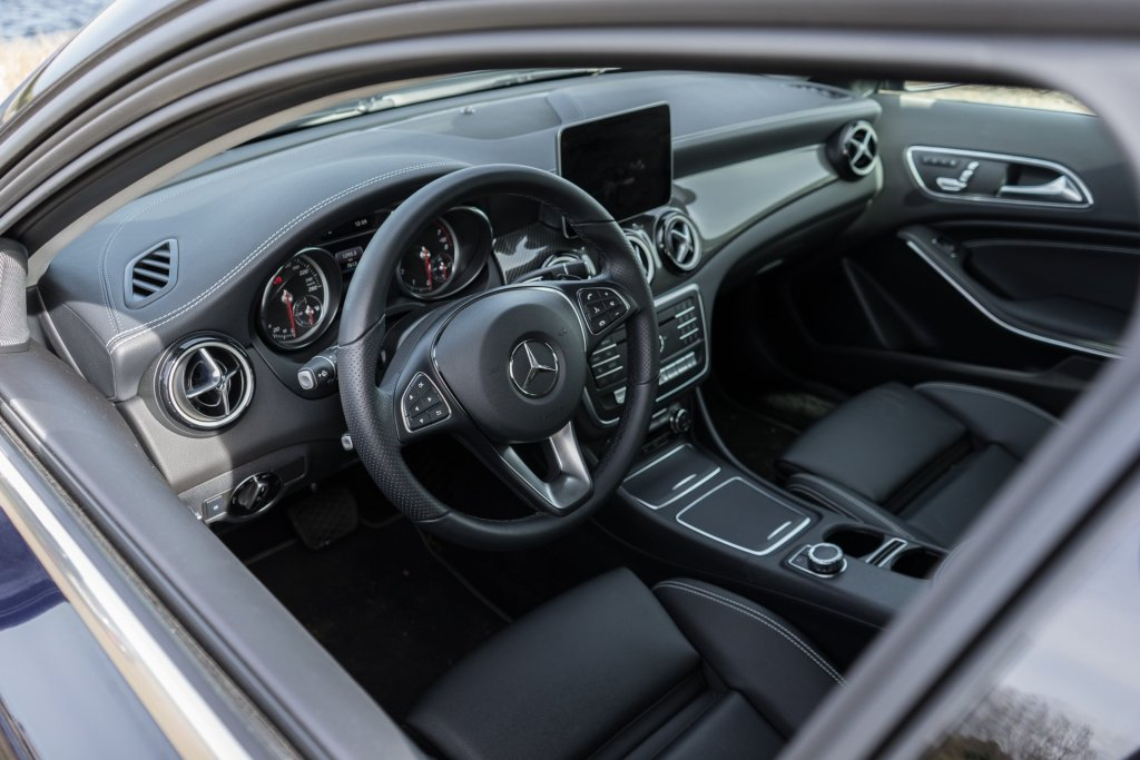 Mercedes-Benz GLA 200 Final Edition kabine