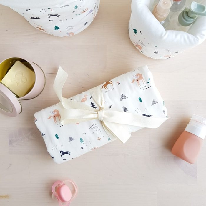tapis langer nomade cadeau bebe fille naisance rose licorne fee lyon createur