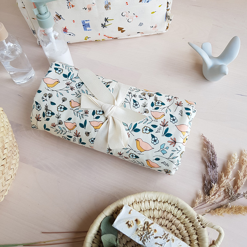 tapis langer nomade createur bebe fille original pratique utile idee original parent nouveau lyon bilboquet