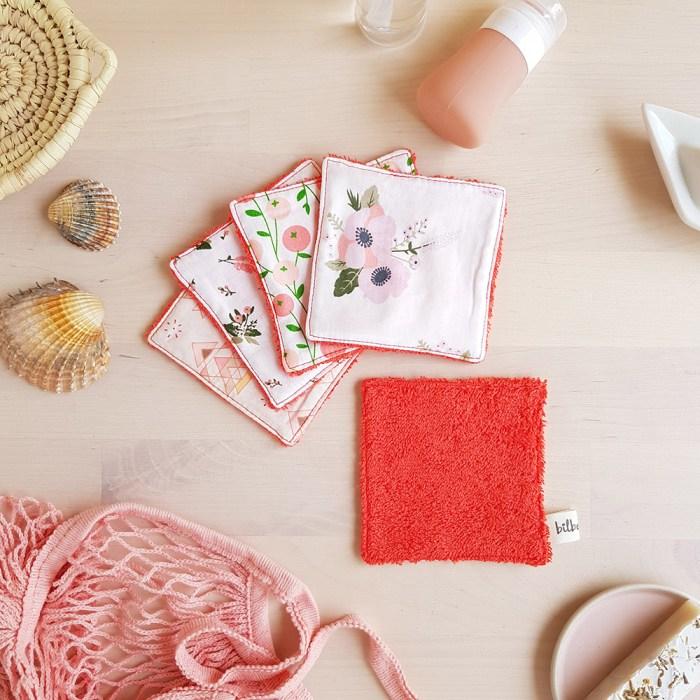 coton lavable lingette carre demaquillant ecologique reutilisable rouge orange corail fleur sirene idee cadeau femme createur lyon bilboquet accessoire toilette