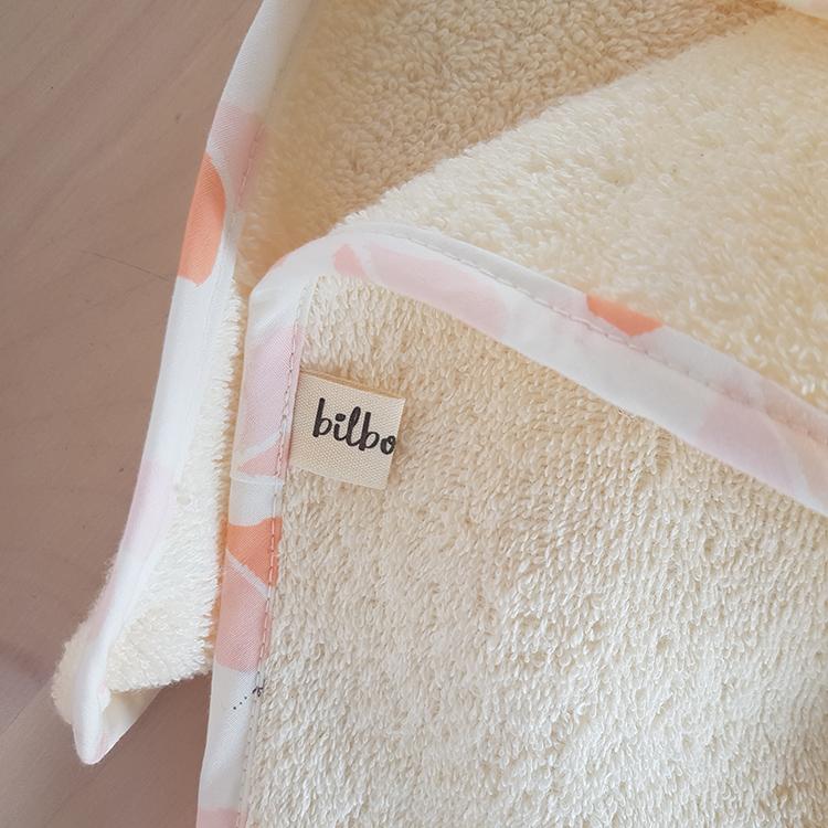 cadeau naissance bebe fille lyon cape bain serviette toilette rose coeur bilboquet naissance liste cadeau original