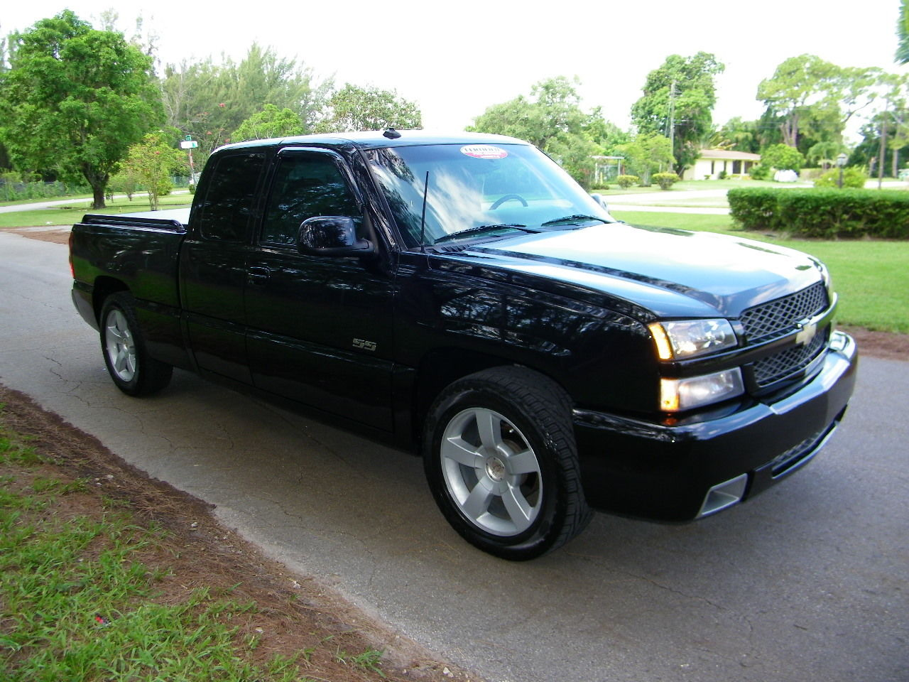 03 chevy silverado ss 3 000 trucks for sale. Black Bedroom Furniture Sets. Home Design Ideas