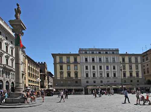 Toskana Florenz  Piazza della Repbblica