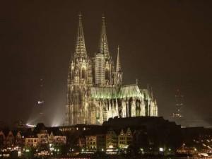 "DM 292 Almanya KolnKatedrali 01 300x225 - A Masterpiece; ""Cologne Cathedral"""