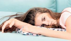 yemekten sonra halsizlik yorgunluk uyku hali yatak dekorasyonu