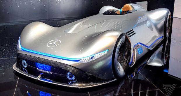 Mercedes-2018-Vision-EQ-Silver-Arrow