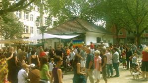 Friedensplatz in Bilk im Sommer