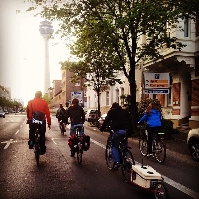 Eine kleine, gemütliche Abendrunde mit'm Rad durch die Stadt…