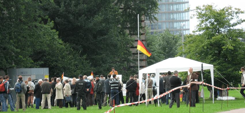 Nazis sind hier in Düsseldorf nicht willkommen.