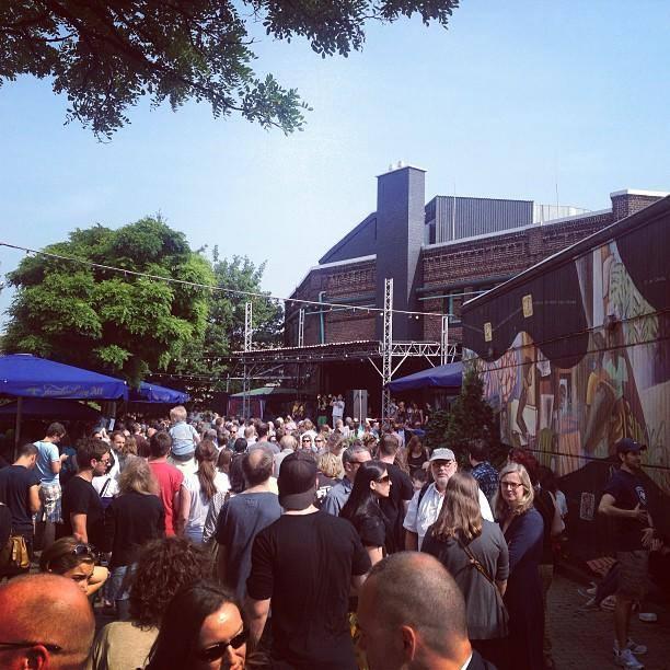 'Raus auf die Straße und feiern!' ZAKK Straßenfest