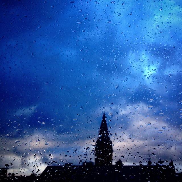 Heute wird einem wieder alles geboten – Wind, Sturm, Regen und Wolkenspielereien.