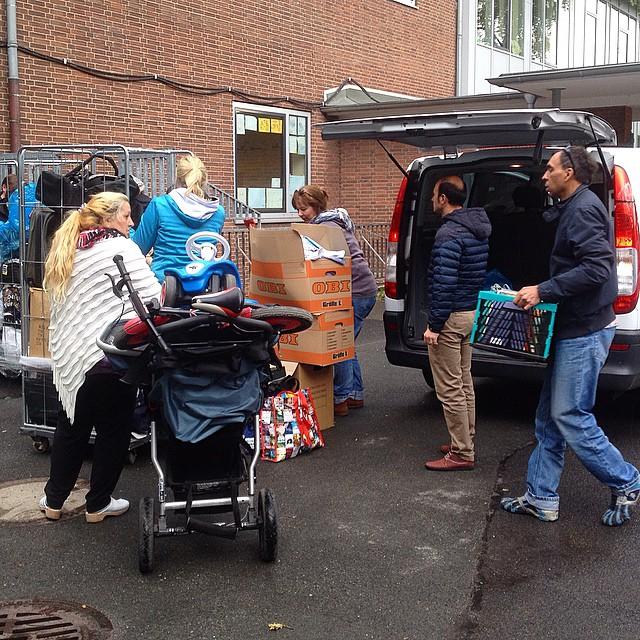 Mehrere Gitterwagen mit Spenden sind abgeliefert :-)