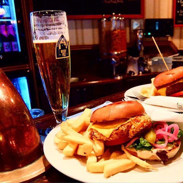 Bier, Burger und Mitternachtssonne !