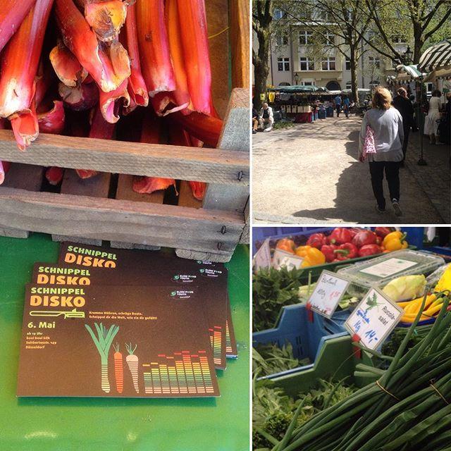 In Ruhe über den Bauernmarkt schlendern und sich mit frischem Rhabarber, Kräutern, Spargel und diversem Gemüse auf den Weg nach Hause machen... und da heute Abend auch noch Schnippeldisko im BouiBouiBilk ist, ist auch die Frage des Kochens geregelt :-) Ich mag solche Tage :-)