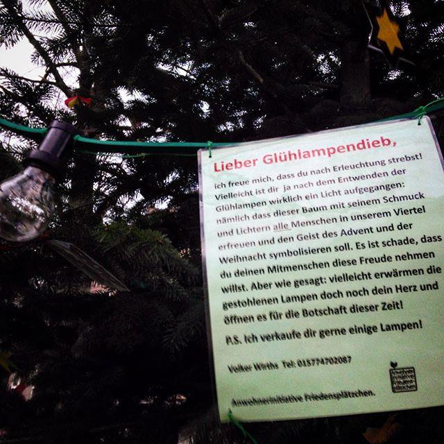 Baum auf'm Friedensplätzchen bleibt leider dunkel.