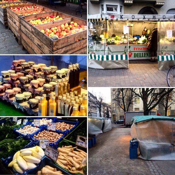 Einkaufen im kleinen Zeltdorf auf dem Friedensplätzchen