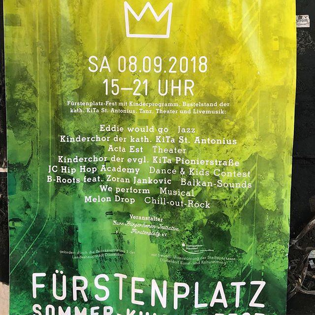 Ach ja - heute Nachmittag ist ja auch noch Sommerfest auf dem Fürstenplatz... so mit Musik und Getränken und in die Sonne blinzeln :-)