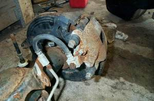 BillaVistaDana 44 Rear Axle Disc Brake Conversion Tech Article by BillaVista