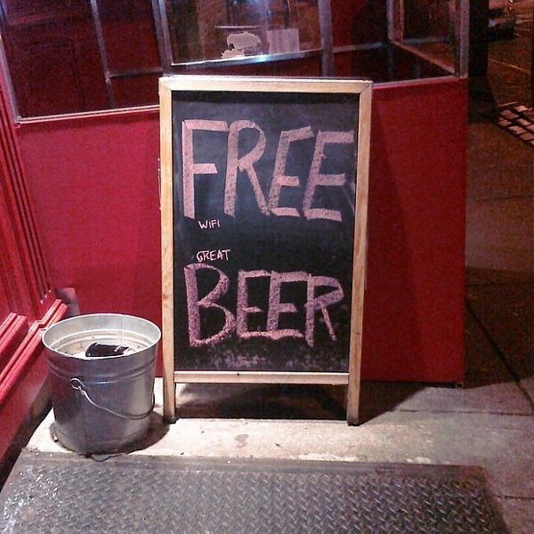 FREE-wifi-great-BEER-sign