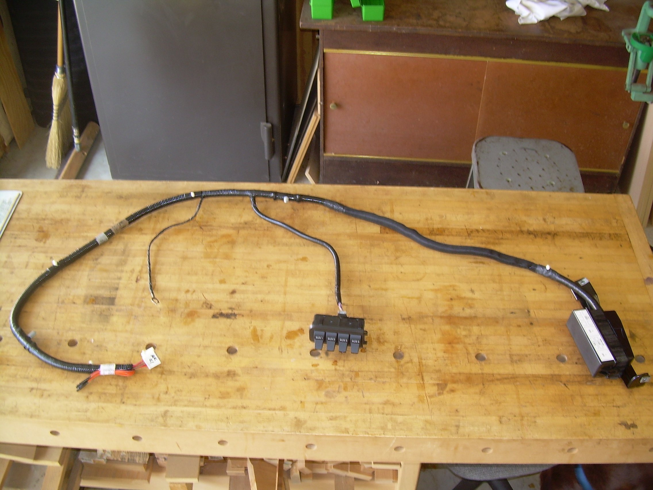 ford trailer wiring harness diagram for a light switch and outlet electrical diagrams installing upfitter switches - 2005-2007 superduty