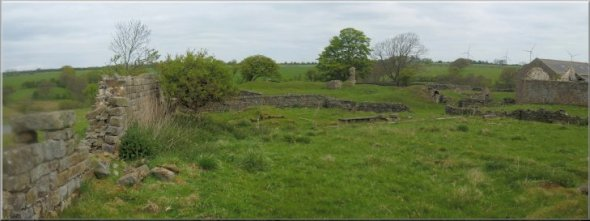 All that is left of John o' Gaunts Castle - Photo by Frank Firth (http://www.yorkshirewalks.org)