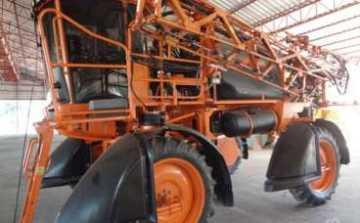 Pulverizador UNIPORT JACTO 2500 STAR ano 2012 c/ 2242 horas em ótimo estado - Tratores - Jacto - Agrobill - Tratores, Implementos Agrícolas, Pneus