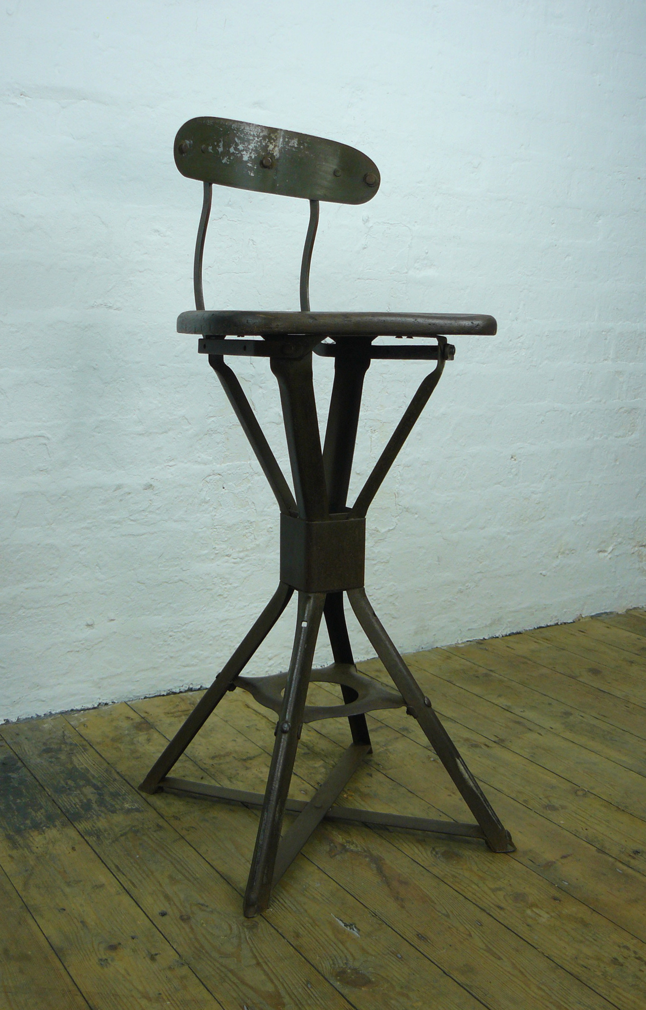 Evertaut Industrial Factory Stool  Chair No1