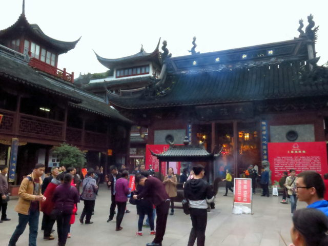 Central Shanghai's third fabulous temple, City God Temple, a Taoist temple. Old City, Shanghai, China, Asia.