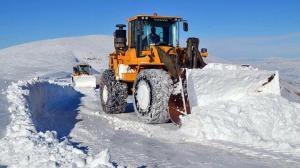 2 bin 600 rakımda 1 metreyi aşan karla mücadele