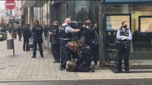 Almanya'da başörtülü kadına polis şiddeti!
