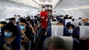 Çin'de Kabin Ekiplerine Koronavirüse Karşı Önlem Tavsiyesi: 'Altınıza Bez Bağlayın'