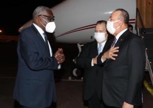 Dışişleri Bakanı Çavuşoğlu Gine'de