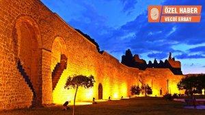 Diyarbakır surlarındaki ejderha